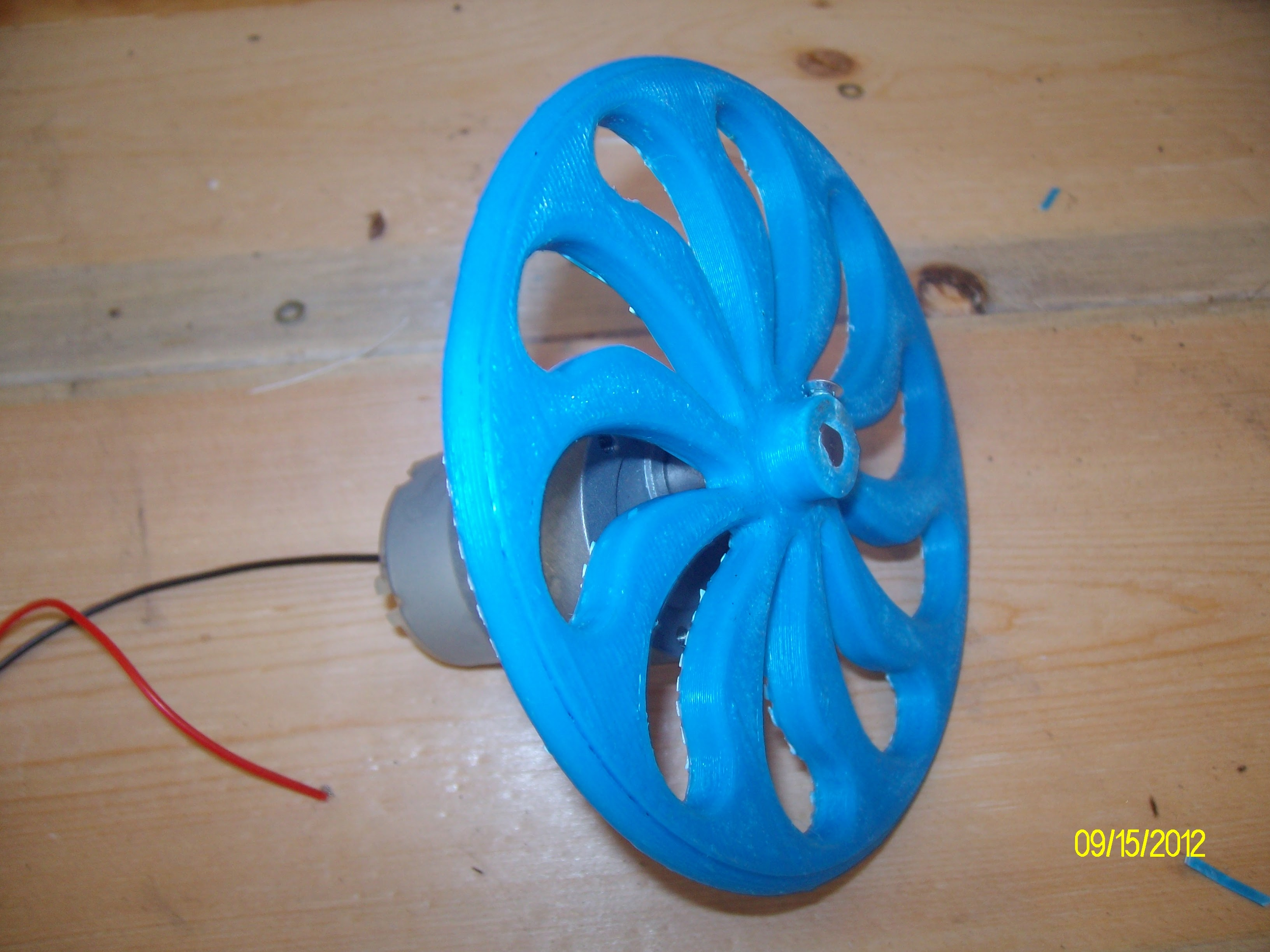 first_3d_print_mounted_on_gearmotor